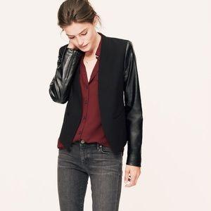 🎉Host Pick🎉[LOFT] Faux Leather Sleeve Blazer